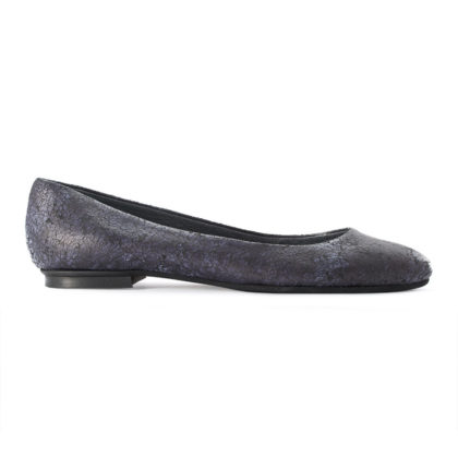 Blue leather pointy toe ballet flats